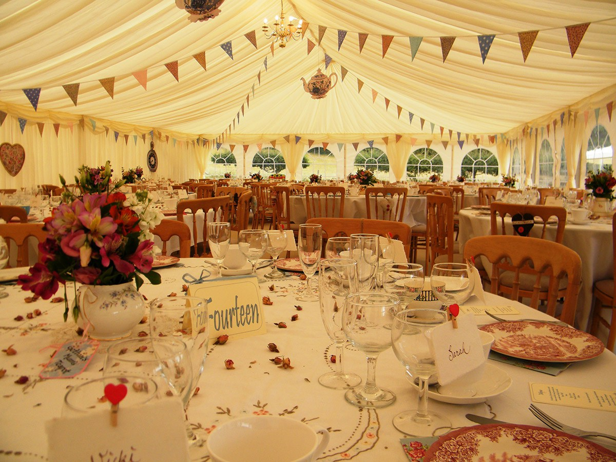 London Party Tents Gallery  Small Marquee Hire London | Luxury Marquee | Party Tents London ...
